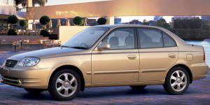 سيارة هيونداي فيرنا