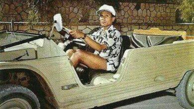 Photo of عبد الحليم حافظ عاشق لسياراته.. فشاهد المرسيدس النادرة الخاصة به