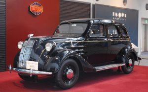 أول سيارة تويوتا